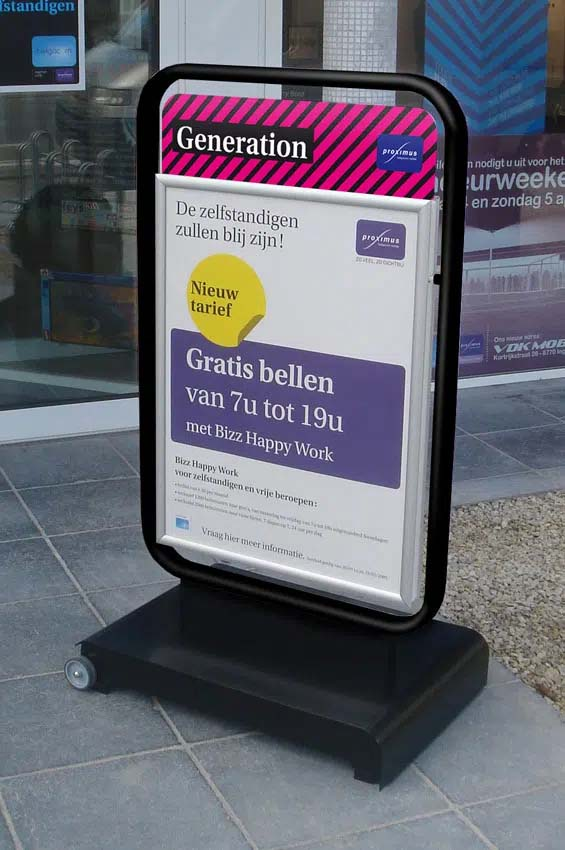 Windmaster - portable outdoor pavement sign Proximus